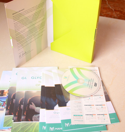 Booklets with cds and cloth rule then be packed into a folder
